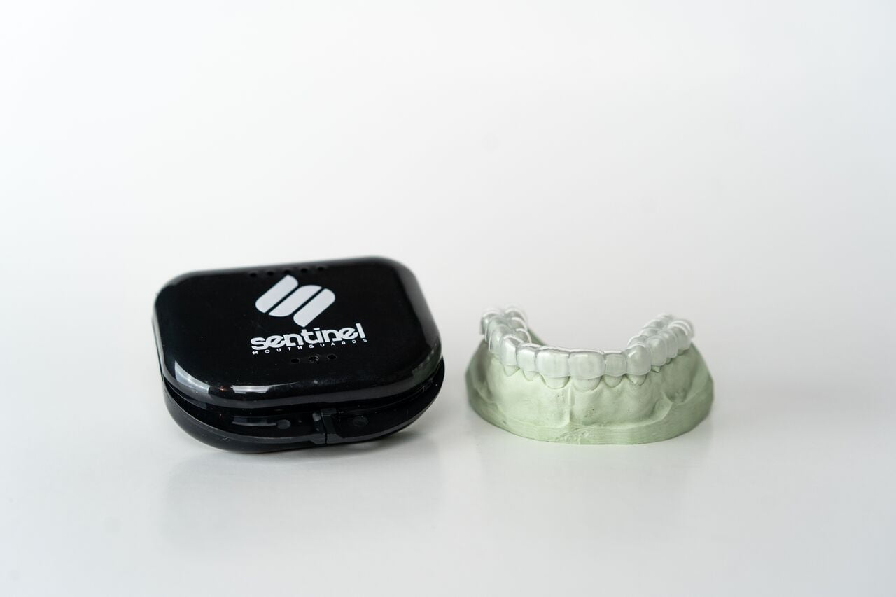 """What Is The Difference Between a Dental Retainer vs. Dental Night Guard?"" 